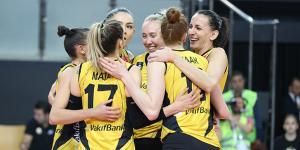 VakıfBank, üst üste sekizinci kez yarı finalde